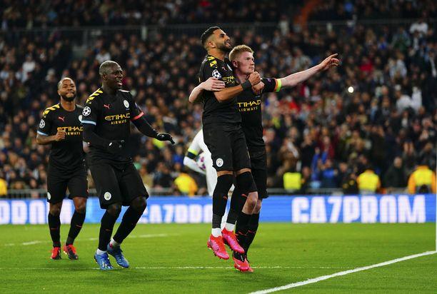 Kevin De Bruyne juhli Manchester Cityn voittomaalia.