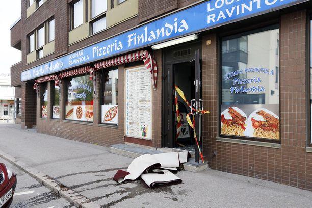Päivystävän palomestarin mukaan ravintolan tiloja joudutaan remontoimaan palon takia.