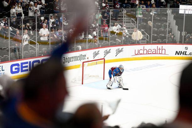 Viime kauden loppupuolella NHL-katsomoissa oli jo jonkin verran katsojia.