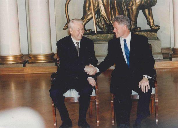 Venäjän presidentti Boris Jeltsin ja Yhdysvaltain presidentti Bill Clinton Helsingissä maaliskuussa 1997.