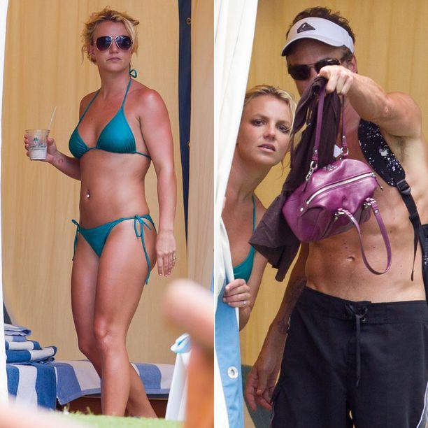 Britneyn turkoosit bikinit ovat olleet varsin kuvatut viime aikoina.