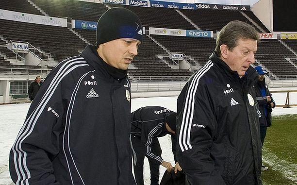 Roy Hodgson tuntuu kypsyneen Jari Litmasen kuntokikkailuun.