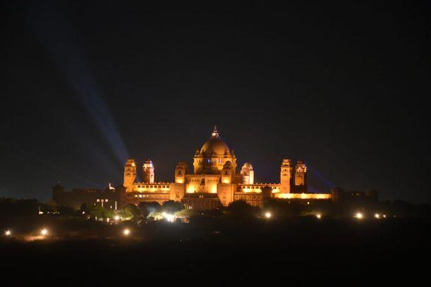 Umaid Bhawan -palatsi toimi juhlien näyttämönä.