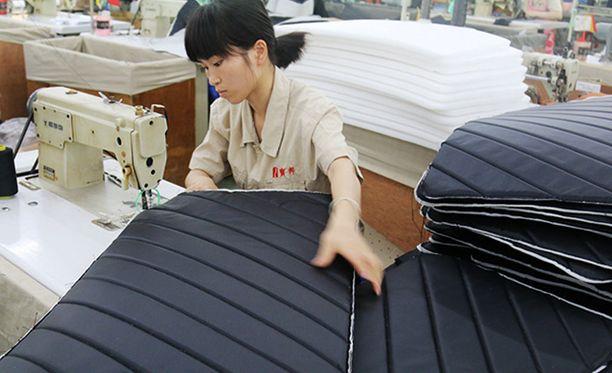 Kiinalaiset nuoret ovat alkaneet vastustaa maan työkulttuuria, jossa töitä joudutaan paiskimaan kellon ympäri kuutena päivänä viikossa ilman korvausta ylityötunneista.