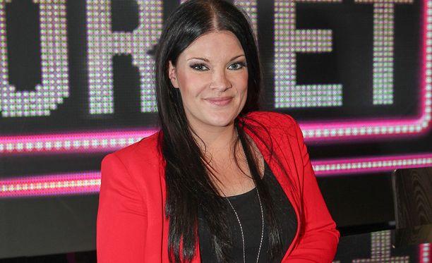 Lappeenrantalainen Hanna Pakarinen, 36, tuli tunnetuksi voitettuaan Idols -laulukilpailun vuonna 2004.