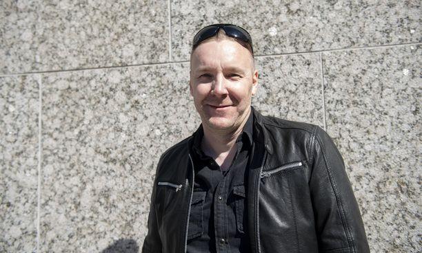 Poets of the Fall -bändin keulahahmo Marko Saaresto säveltää mielellään itsenäisesti.
