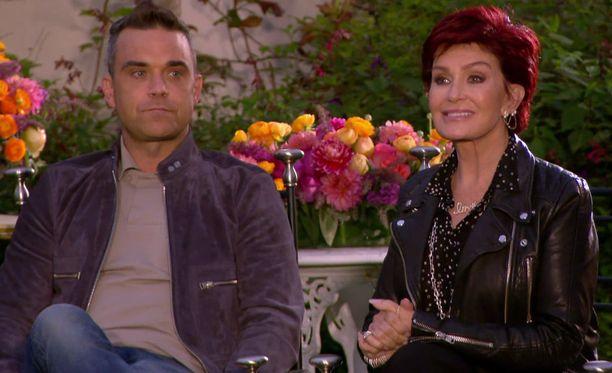 Sharon ei ole aiemmin kuulunut Saaran faneihin, mutta alkaa nyt lämmetä hänelle. Robbie Williams ei.