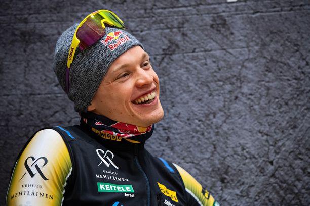 Iivo Niskanen oli ylivoimainen Vuokatti Aateli Racen avauspätkällä.