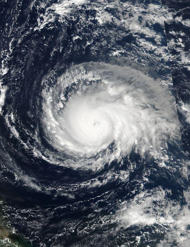Maanantaina otetussa kuvassa nelosluokan Irma näytti jo selvästi erilaiselta.