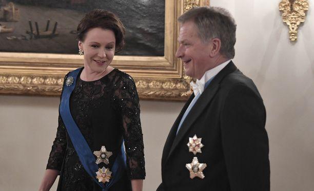 Rouva Jenni Haukio ja presidentti Sauli Niinistö odottavat esikoistaan.