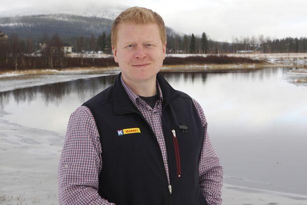 Kauppias Sampo Kaulanen kertoo, että Jounin Kauppa menetti hetkessä yli 200 seuraajaa kohun myötä.