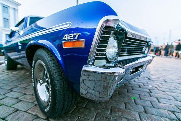 Chevrolet Nova Yenko tribute-replica Stadin Cruisingissa.