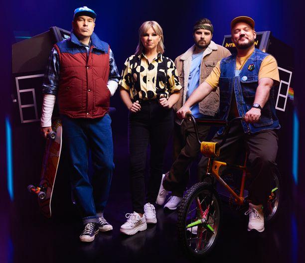 Heikki Kuula, Pandora (Anneli Magnusson), Voli (Jani Tuohimaa) ja Pyhimys (Mikko Kuoppala) haluavat Rotterdamin Euroviisuihin.