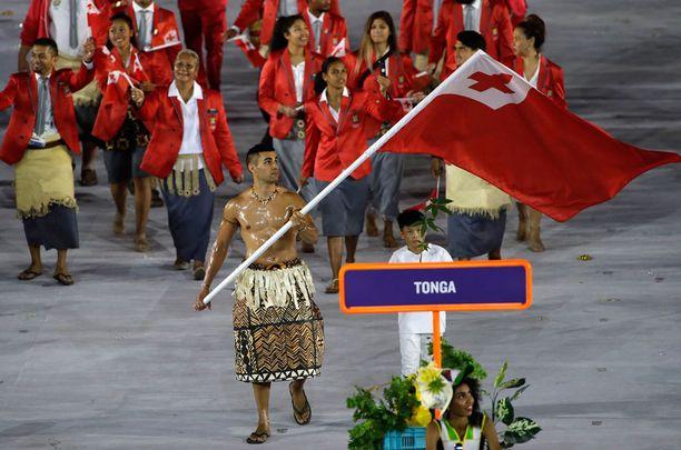 Pita Nikolas Taufatofua kantoi Tongan lippua.