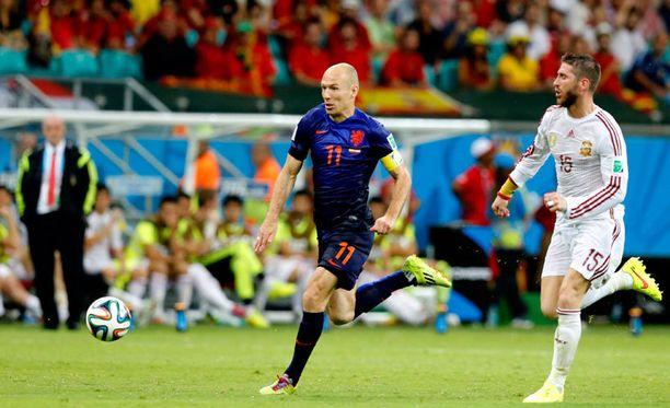 Arjen Robben iski kaksi maalia ja oli ottelun hahmo.
