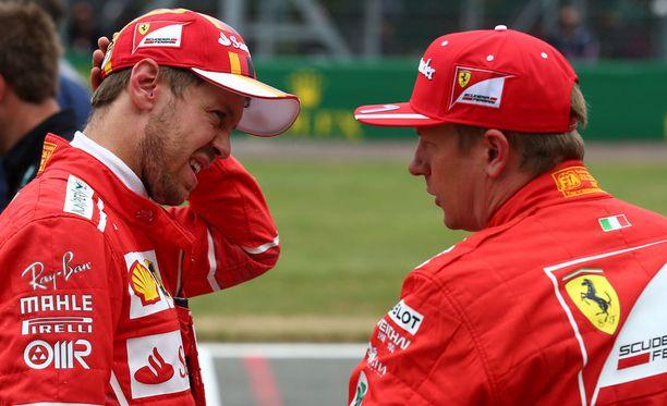Sebastian Vettel ja Kimi Räikkönen kaahailevat viikonloppuna Unkarissa.