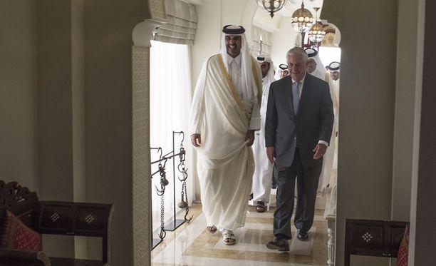Yhdysvaltain ulkoministeri Rex Tillerson ja Qatarin ulkoministeri Mohammed bin Abdulrahman al-Thani kertoivat eilen yhteisessä lehdistötilaisuudessa tehneensä sopimuksen, jolla yritetään torjua terrorismin rahoittamista.