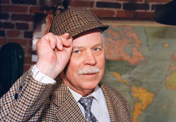 Salminen oli mukana lähes kaikissa Turhapuro-elokuvissa. Tässä mies Turhapuro-kuvauksissa vuonna 1998.