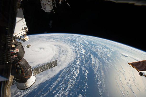 Nasa kuvasi taifuuni Norun etenemässä viime tiistaina pohjoisella Tyynellämerellä.