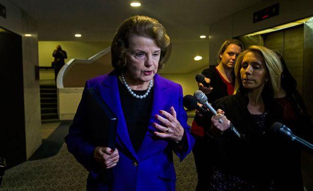 Demokraattisenaattori Dianne Feinstein puhui tiistaina senaatille CIA-raportista.