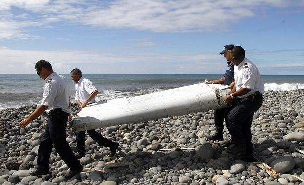 MH370 siiven osa löydettiin vuonna 2015 noin 3 000 kilometrin päästä oletetusta putoamispaikasta.