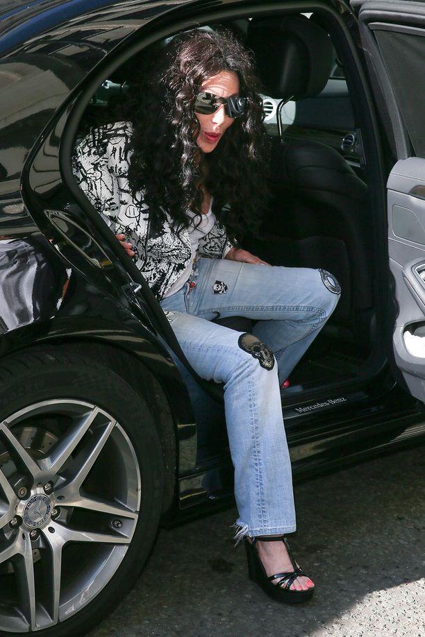 Cher, 72, pukeutuu edelleen nuorekkaasti.