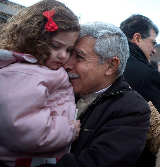 Hagob Maanushianin tyttärentytär Rita pääsi pakoon Syyrian sisällissotaa. Isis on nyt antanut luvan tappaa kehitysvammaiset lapset. Rita on terve pikkutyttö.