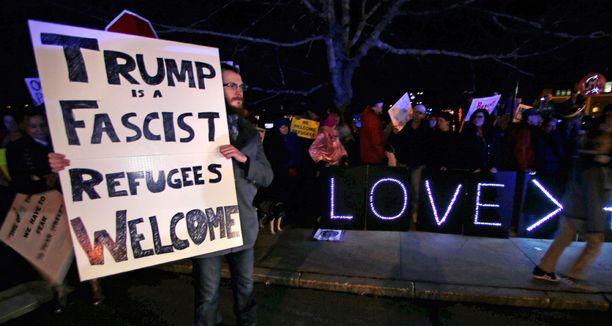 41 prosenttia kyselyyn vastanneista sanoi, että Trumpin kampanjan aikana antamat lausunnot ovat usein olleet loukkaavia.
