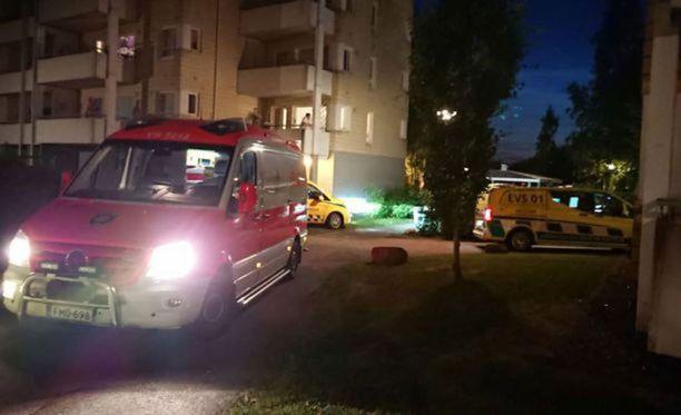 Ampumavälikohtaus tapahtui Turun Halisissa kerrostalon piha-alueella.