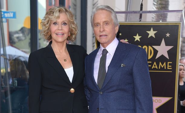 Legendat. Jane Fonda ja Michael Douglas.