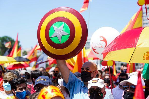 Katalonian itsenäistymispyrkimyksiin liittyvät aiheet nostattavat suuria tunteita Espanjassa.