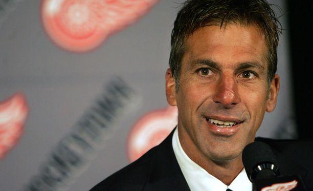 Chris Chelioksen NHL-ura päättyi vuonna 2010.