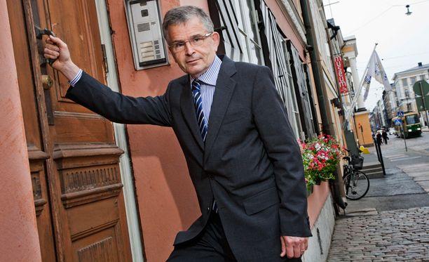 Pajusen esitys kertoo, että asiasta voitaisiin järjestää Helsingissä kansanäänestys.