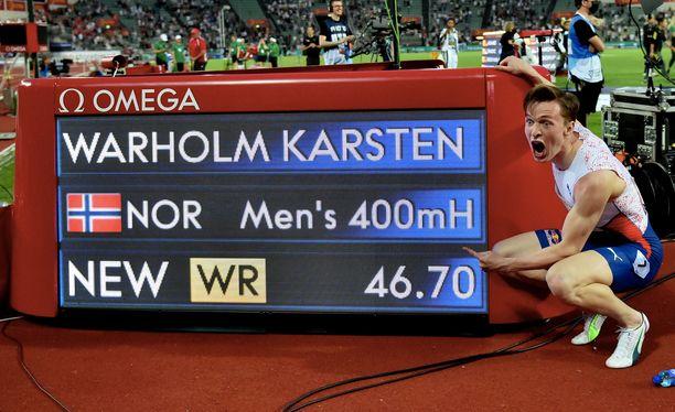Karsten Warholm täräytti tauluun 400 metrin aitojen uuden ME:n 46,70.