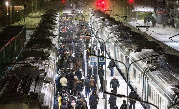 Kolmelle rautatieasemalle on tullut nimetön pommiuhkaus Moskovassa. Kuvituskuva.