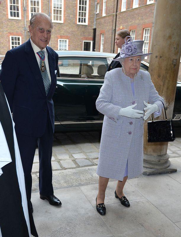 Prinssi Philip ja kuningatar Elisabet edustivat Order of Merit -tapahtumassa.