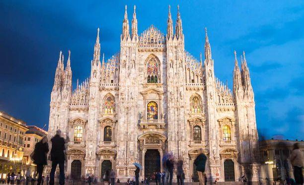 Milanon tuomiokirkko (Duomi di Milano) on yksi kaupungin päänähtävyyksistä.