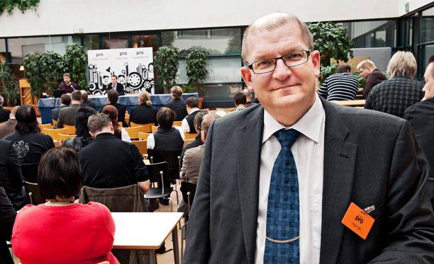 Metalliliiton Riku Aalto ei hyväksy lomarahojen leikkausta.