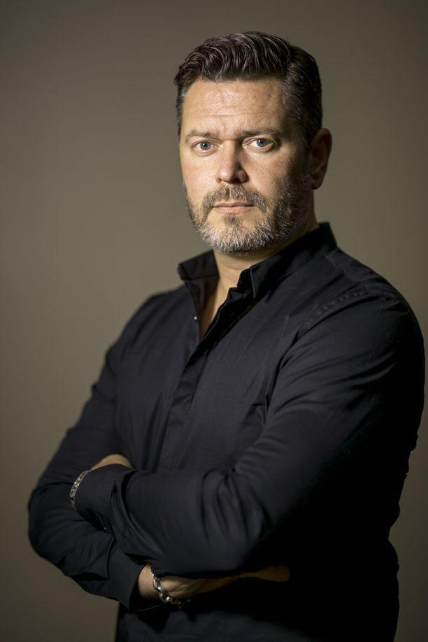 Petri Alanko on tinkimätön säveltäjä. Hän arvostaa itsensä lisäksi kolmea muuta suomalaista pelimusiikin säveltäjää.