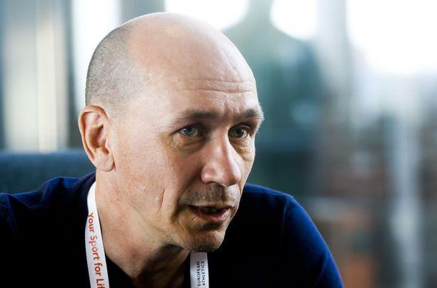 Jorma Kemppainen on Suomen yleisurheilumaajoukkueen johtaja.