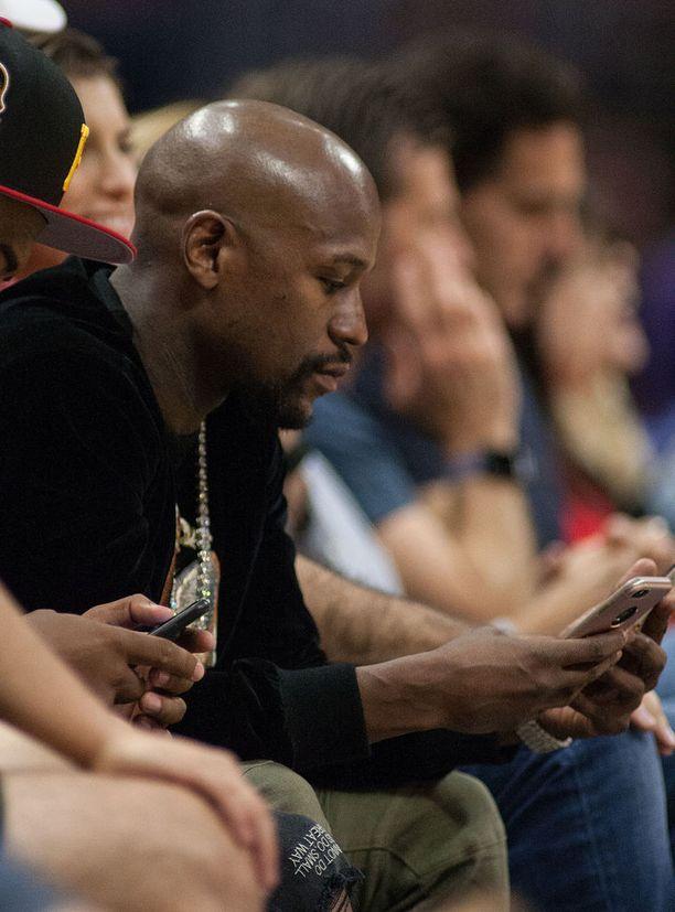 Nyrkkeilijä Floyd Mayweather oliForbesin listauksen mukaan vuodessa eniten tienannut julkisuuden henkilö.