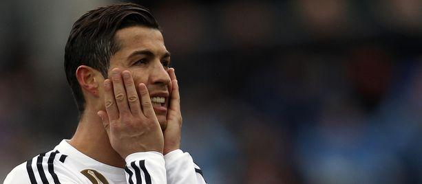 Cristiano Ronaldoon yhdistetty toimittaja siirtyy F1-varikolle.
