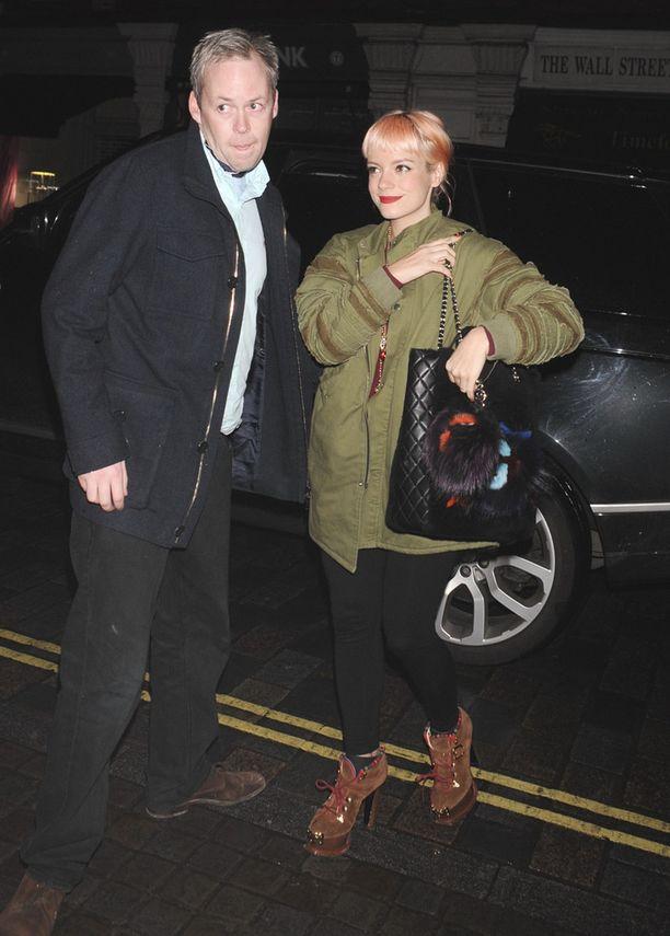 Lily Allenilla ja Sam Cooperilla on kaksi lasta.