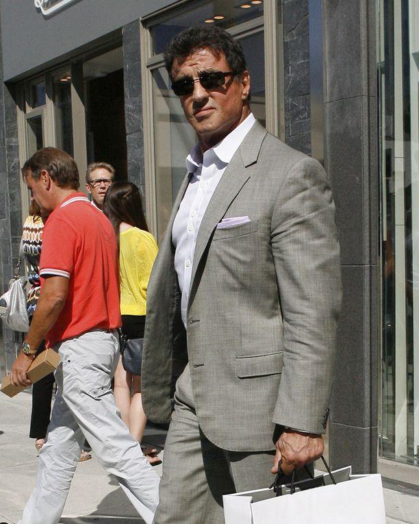 Sylvester Stallonen käsikirjoittamassa elokuvassa näyttelee hänen itsensä lisäksi muita nimekkäitä toimintatähtiä.