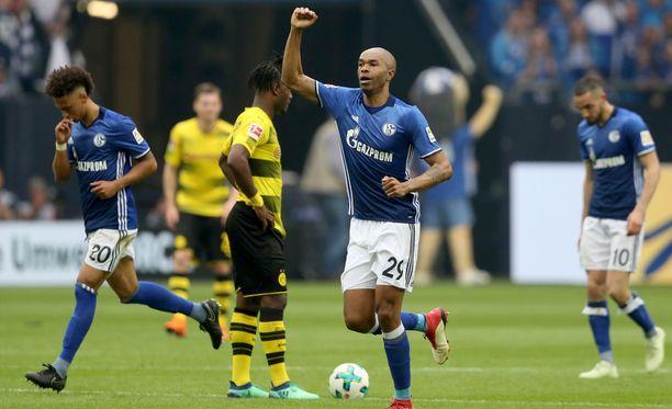 Schalken Naldo kuritti Dortmundia jälleen.