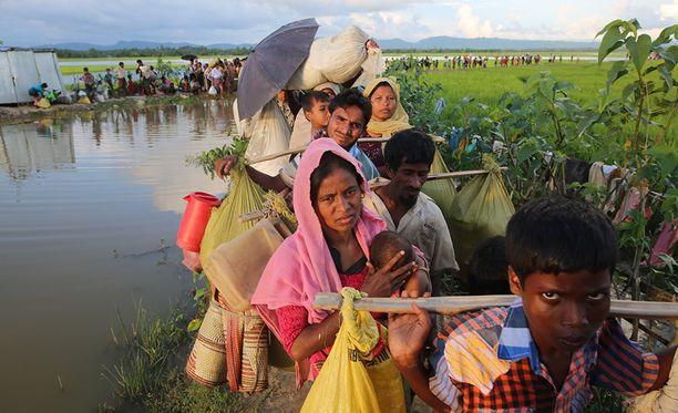 Myanmarin rohingya-muslimeihin on kohdistunut väkivaltaisuuksia. Moni on paennut maasta.