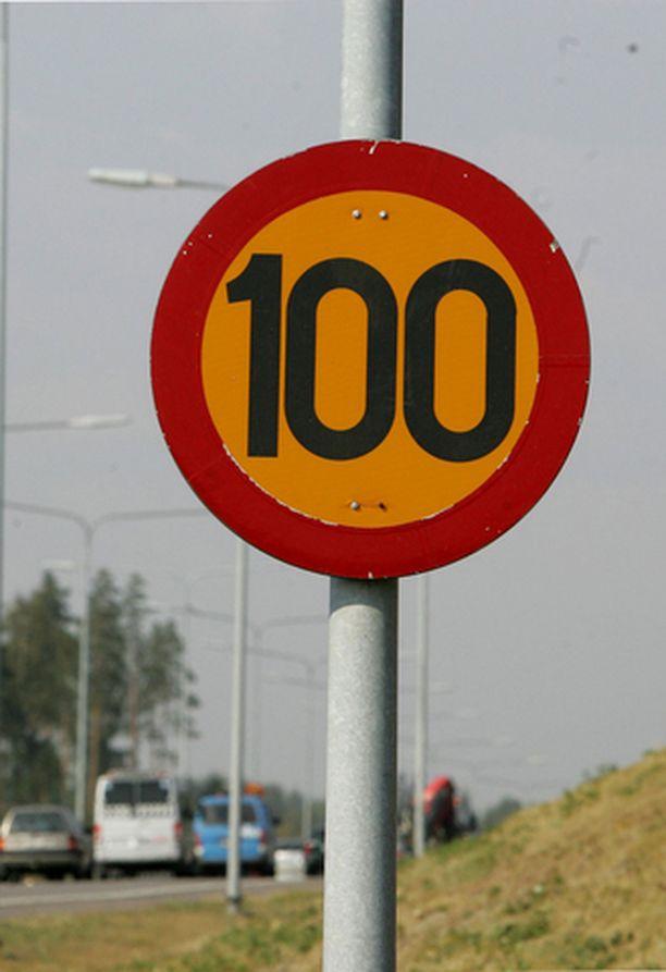 NOPEUSRAJOITUKSIA halutaan laskea Tampereella.