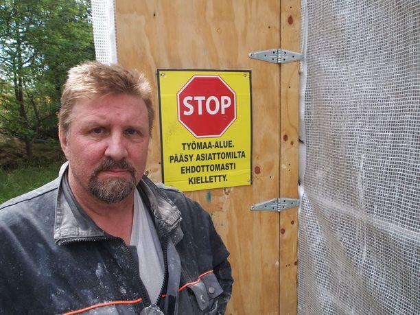 Helsingin Muurarien puheenjohtaja Martikainen sai potkut toimitsijan tehtävistä kesällä 2016. Potkujen laillisuutta käsitellään seuraavaksi hovioikeudessa.