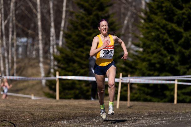 Johanna Peiponen voitti sunnuntaina Joensuussa naisten 10 kilometrin maastojuoksun Suomen mestaruuden.