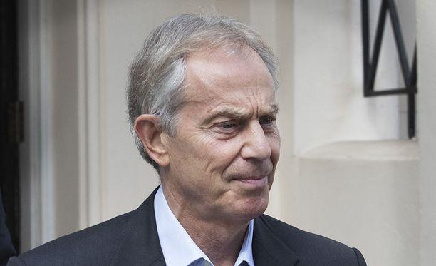 Britannian entinen pääministeri Tony Blair myöntää uutuuskirjassa, että Hamasin asettaminen boikottiin vuoden 2006 vaalivoiton jälkeen oli väärin.